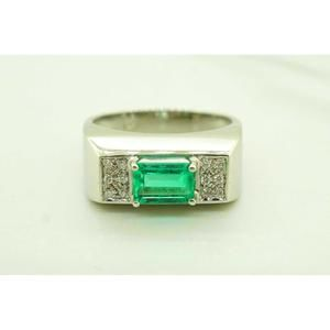 Womens 18K White Gold Cocktail Ring with Emerald